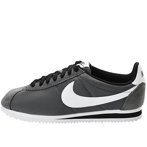 chaussures nike cortez nylon 532487 010 hommes running. Black Bedroom Furniture Sets. Home Design Ideas