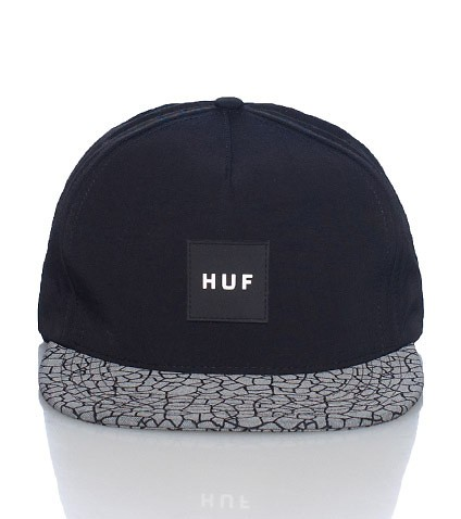 huf casquette quake volley strapback nylon noir hommes. Black Bedroom Furniture Sets. Home Design Ideas