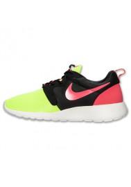 Nike Roshe Run Homme / Hyp Volt (Ref : 669689-700) Running