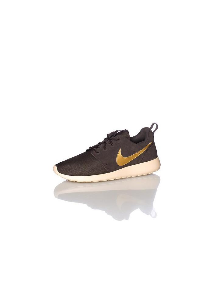 Chaussures Hommes Nike Rosherun Suede (Ref: 685280-273) Running