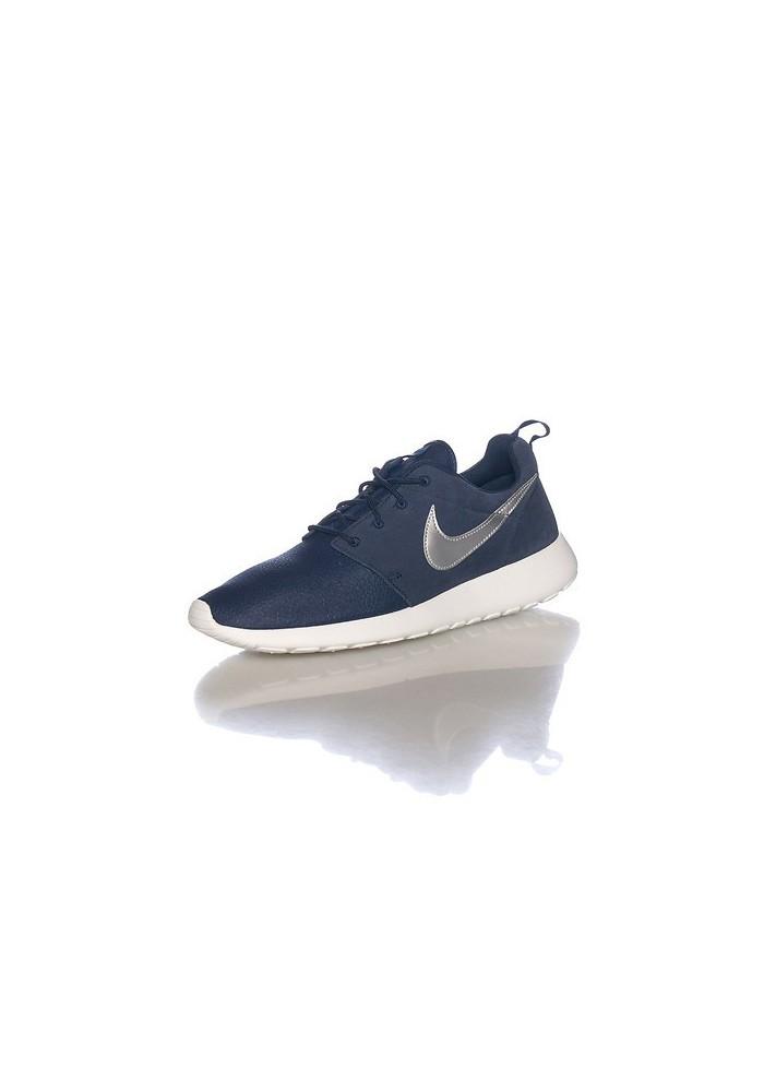 Nike Rosherun Navy Suede (Ref: 685280-417) Sneaker